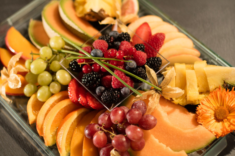VIP tray fruit plate detail from above