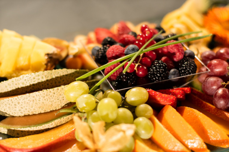 VIP tray fruit plate detail